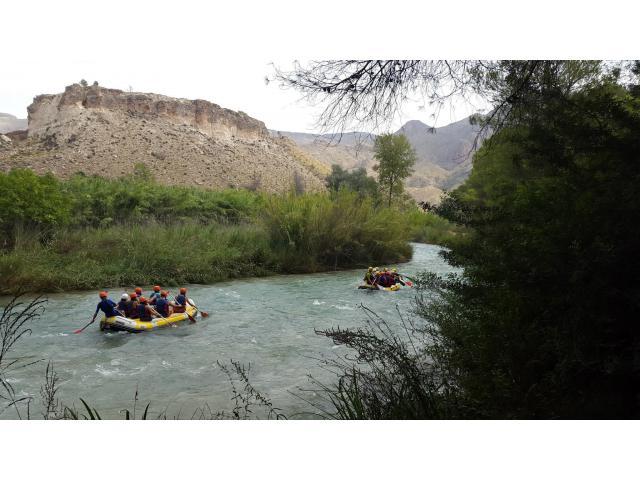 Rafting en el Cenajo y Río Mundo